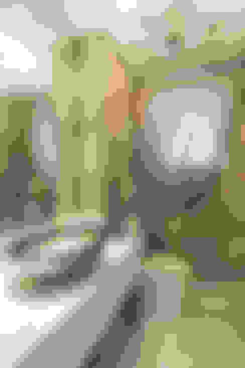 Apartamento Lourdes - Caxias do Sul: Banheiros  por Fabris Franco Arquitetura
