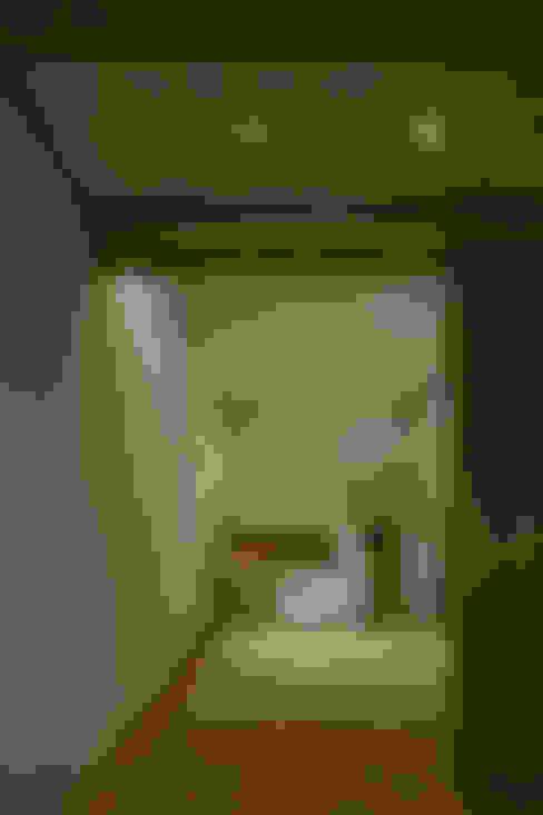 北方の家: 浦瀬建築設計事務所が手掛けた和室です。
