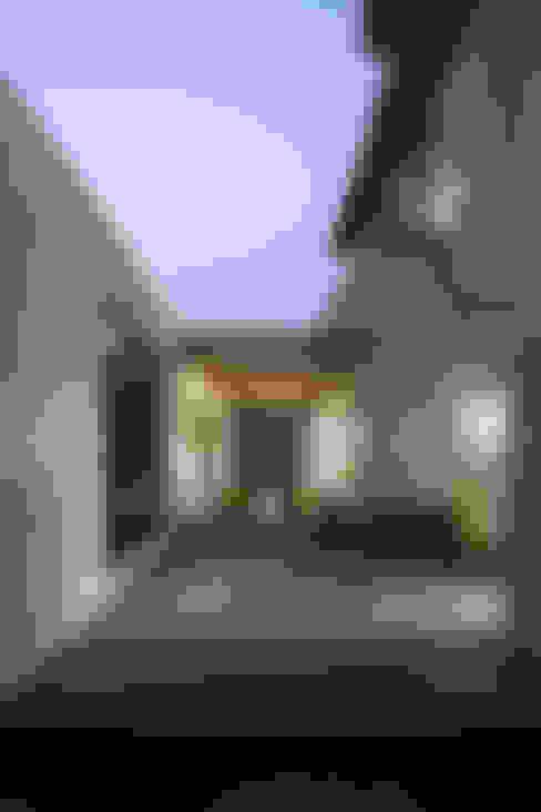 Maisons de style  par 위무위 건축사사무소