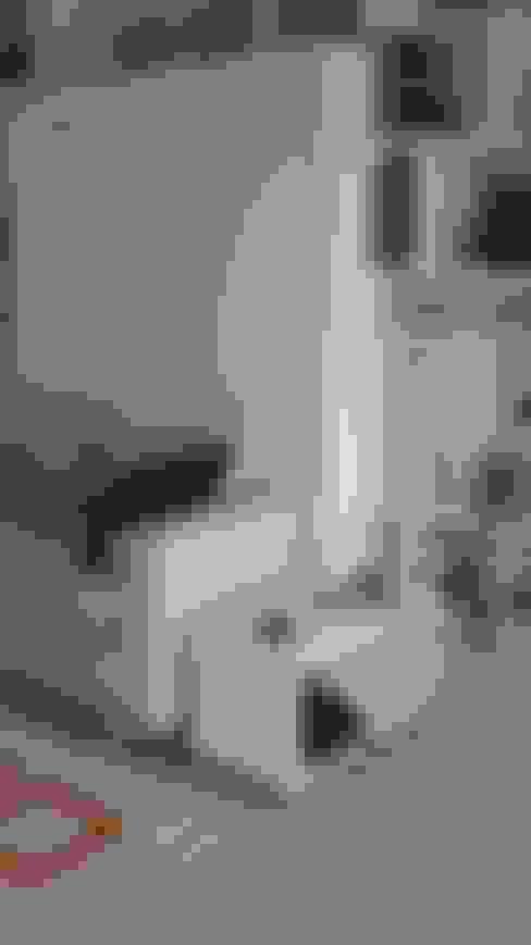 Salas/Recibidores de estilo  por MINBAI