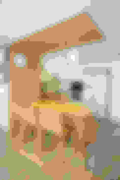 러블리한 다락방이 있는 인테리어: 퍼스트애비뉴의  주방