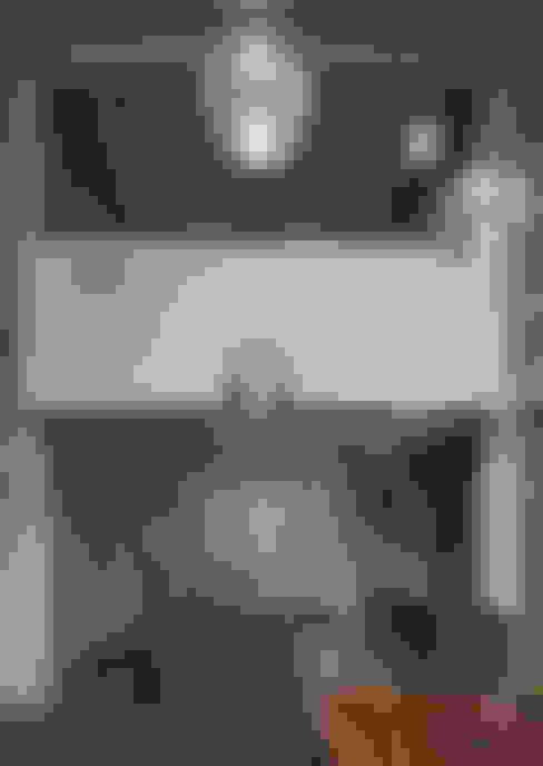 Inglis Badrashi Loddo:  tarz Oturma Odası