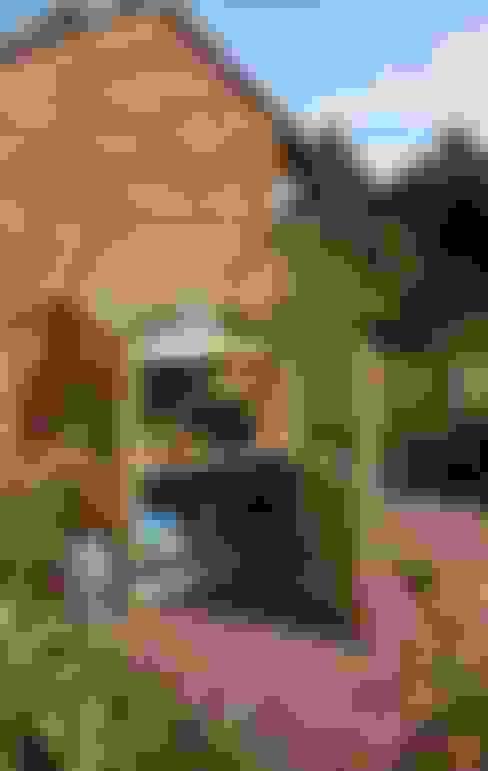 Landscaping and Garden Storage:  Garden  by Heritage Gardens UK Online Garden Centre