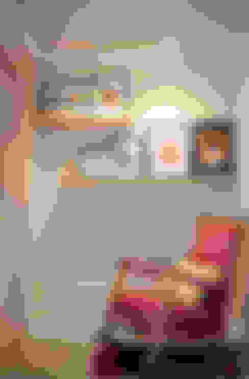 가구를 위한 모던인테리어 : 퍼스트애비뉴의  복도 & 현관