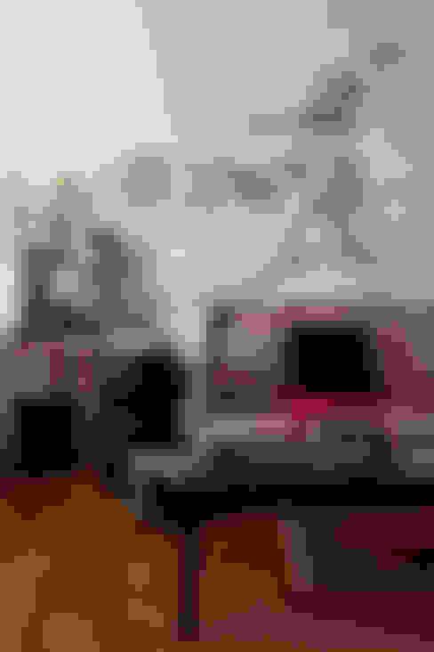 OPEN HOUSE | MARINA DIAS: Sala de estar  por Casa de Valentina