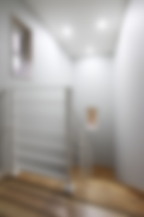 Corridor & hallway by 윤성하우징