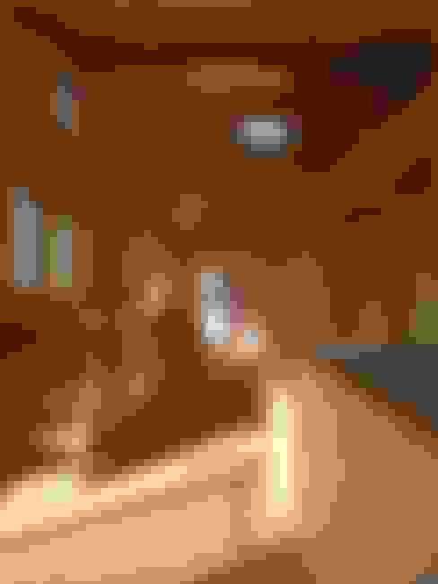 Couloir et hall d'entrée de style  par AMI ENVIRONMENT DESIGN/アミ環境デザイン