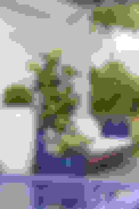 Jardines de estilo  por FERNANDO ROMA . estudioROMA