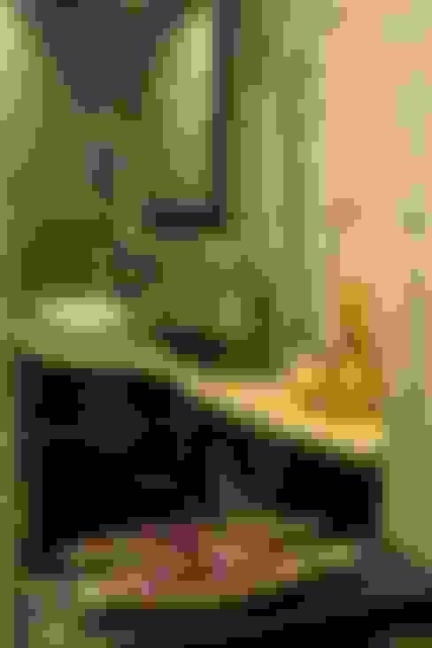 Baños de estilo  por Studio Ezube