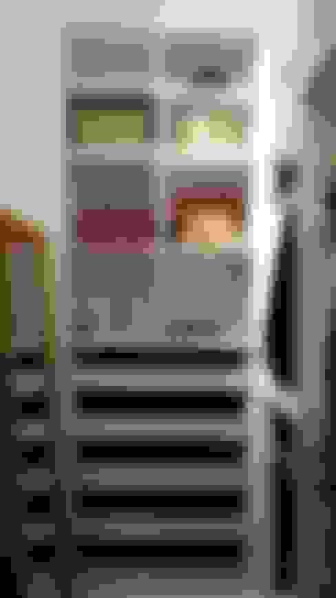 Closet (Parceria Eliana Freitas): Closets  por Das Haus Interiores - by Sueli Leite & Eliana Freitas