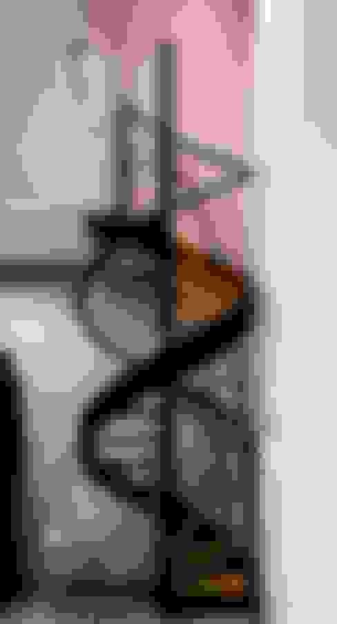 casaMEZQUITE: Pasillos y recibidores de estilo  por BAG arquitectura