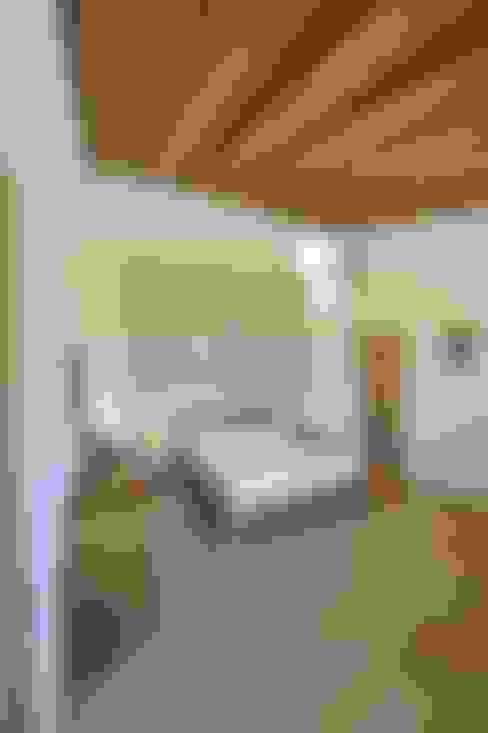 Habitaciones de estilo  por studio arch sara baggio
