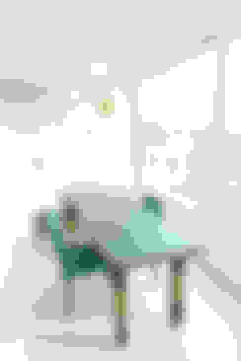 톡쏘는 청량감이 있는 안산 푸르지오: 퍼스트애비뉴의  베란다