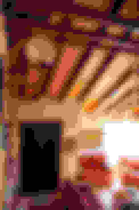 VIVIENDA UNIFAMILIAR: Terrazas de estilo  por AM Estudios