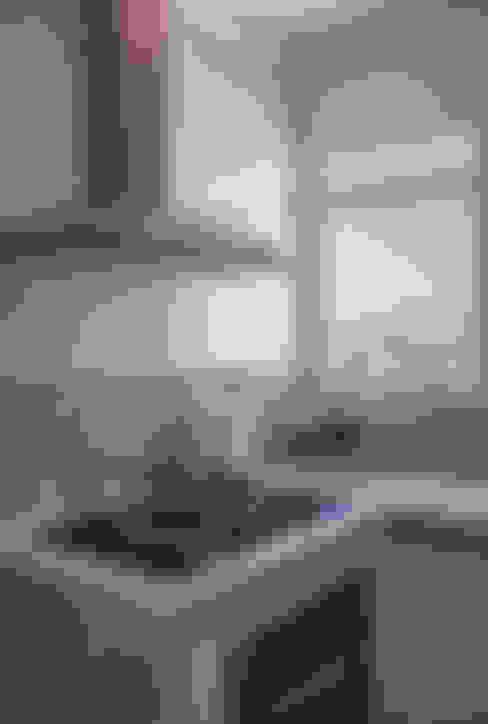 Apartamento Mnl: Cozinhas  por Lozí - Projeto e Obra