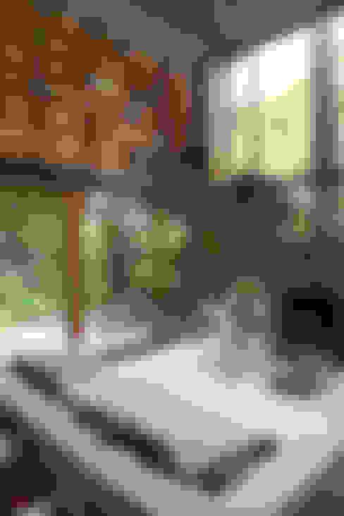 Living room by Arquitecto Alejandro Sticotti