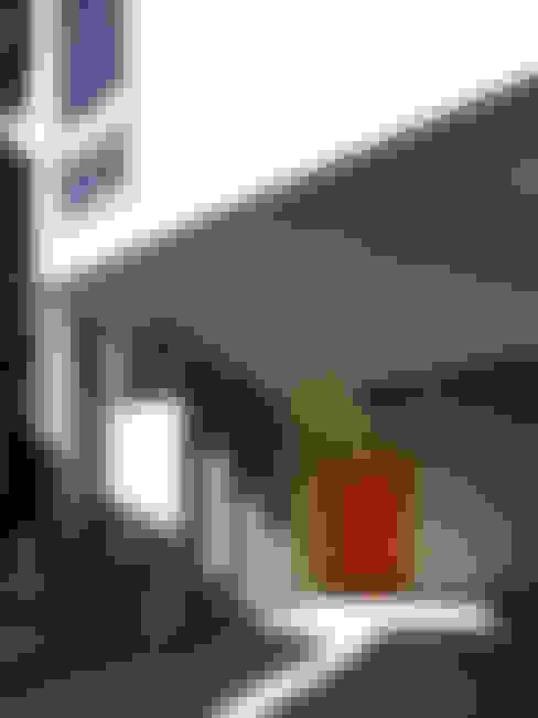 Case in stile  di アトリエハコ建築設計事務所/atelier HAKO architects
