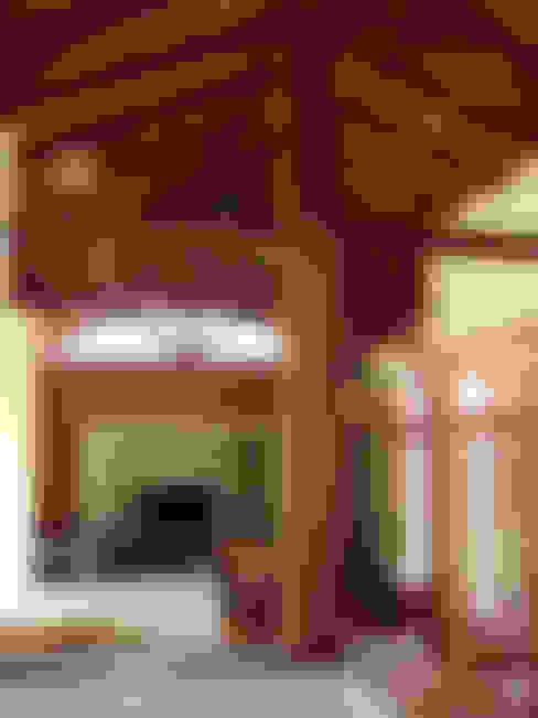 Salas / recibidores de estilo  por bp arquitetura