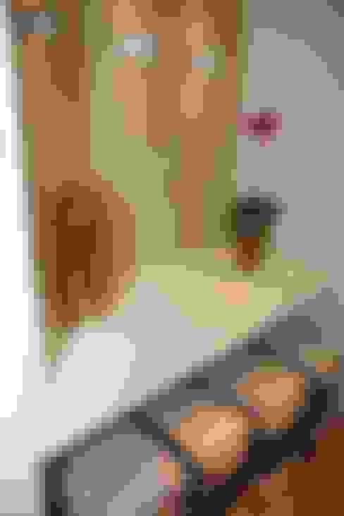 Pasillos y vestíbulos de estilo  por Liliana Zenaro Interiores