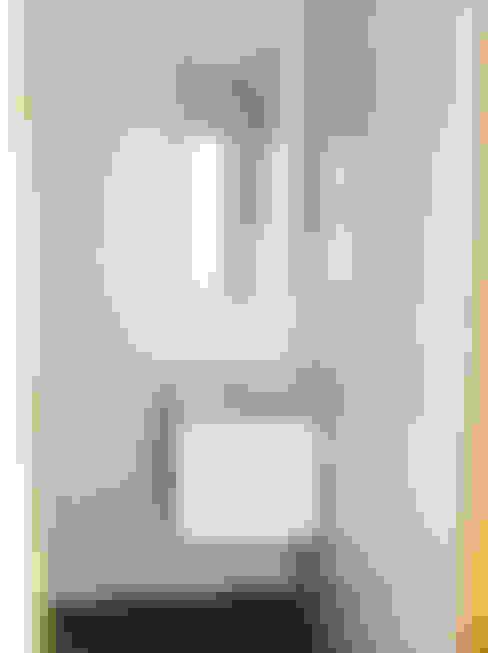 Banheiros  por GAAPE - ARQUITECTURA, PLANEAMENTO E ENGENHARIA, LDA