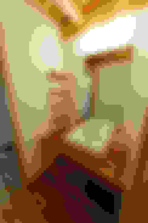 浴室 by 高野三上アーキテクツ一級建築設計事務所  TM Architects