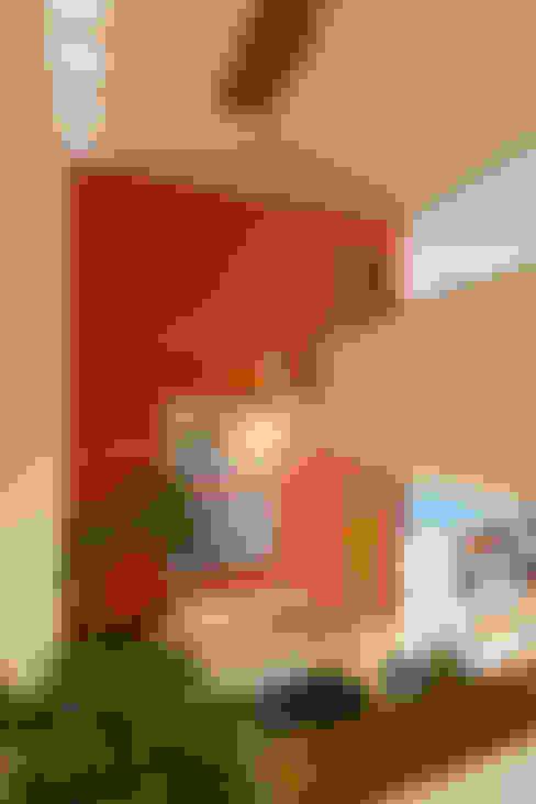 Ingresso & Corridoio in stile  di Grupo Arsciniest