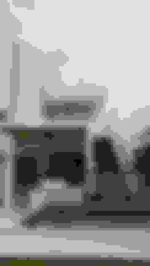 Escalera acceso a Terraza Habitación principal y terraza mirador.: Vestíbulos, pasillos y escaleras de estilo  por Camilo Pulido Arquitectos