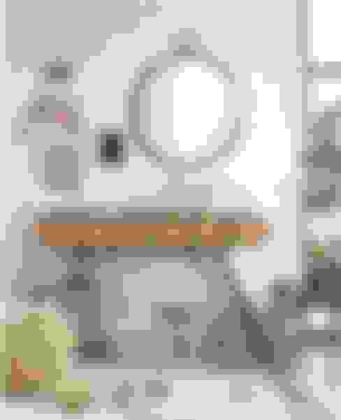 Vestíbulos, pasillos y escaleras de estilo  por Intense mobiliário e interiores;