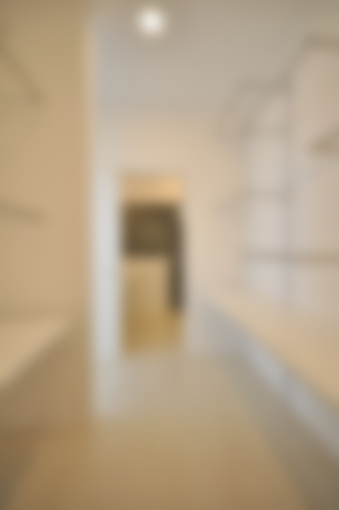 Closets de estilo  por 門一級建築士事務所