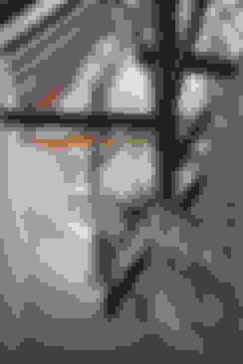 Salas / recibidores de estilo  por Arend Groenewegen Architect BNA