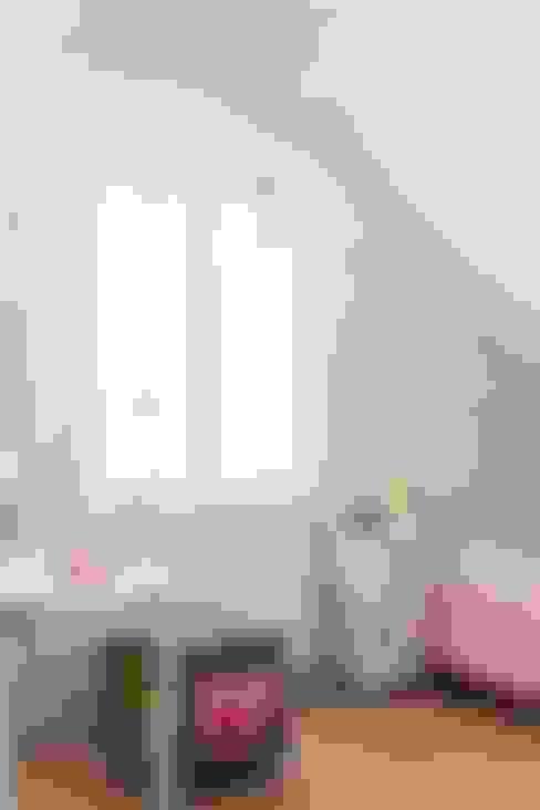 Dormitorios infantiles de estilo  de Brand BBA I BBA Architecten