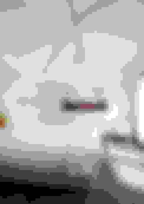 Dormitorios de estilo  de Brand BBA I BBA Architecten
