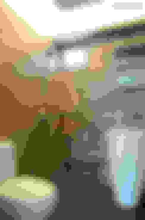 Bathroom by Designer House