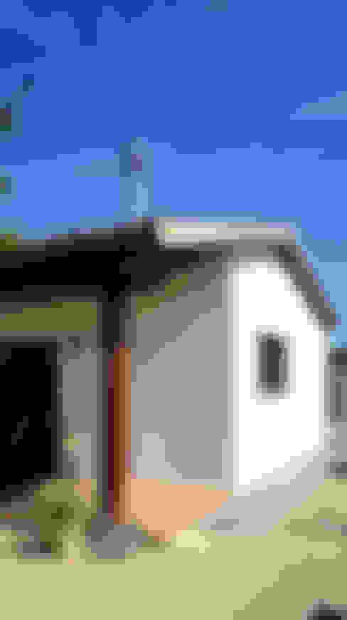 บ้านและที่อยู่อาศัย by RIBA MASSANELL S.L.