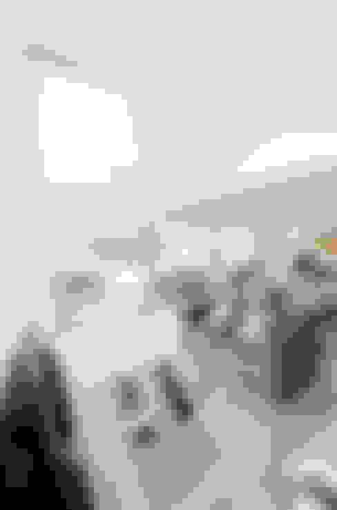 Private Interior Design Project - Town House Albufeira: Sala de estar  por Simple Taste Interiors