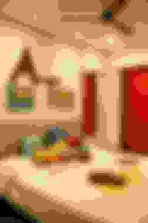 Serenity home!:  Nursery/kid's room by Neha Changwani