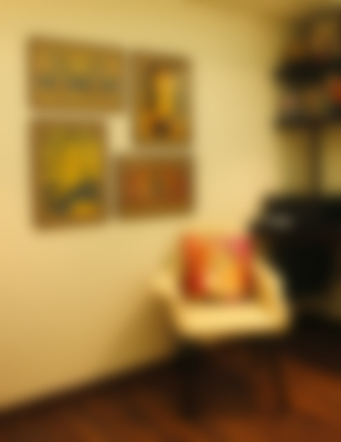 Serenity home!:  Study/office by Neha Changwani