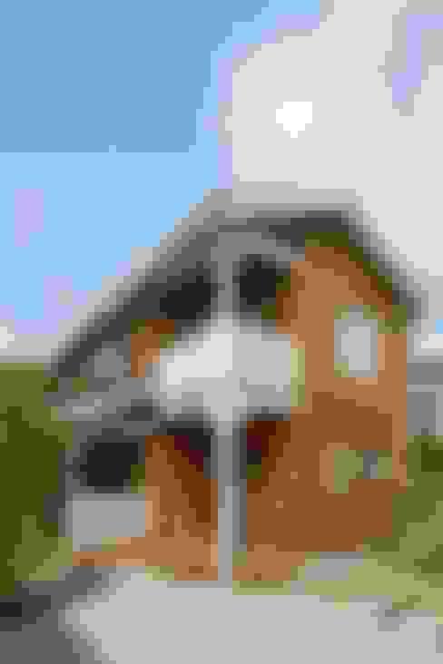 Casas de estilo  de dwarf