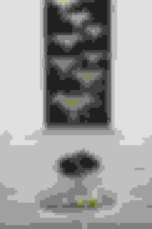 Living room by Mel McDaniel Design