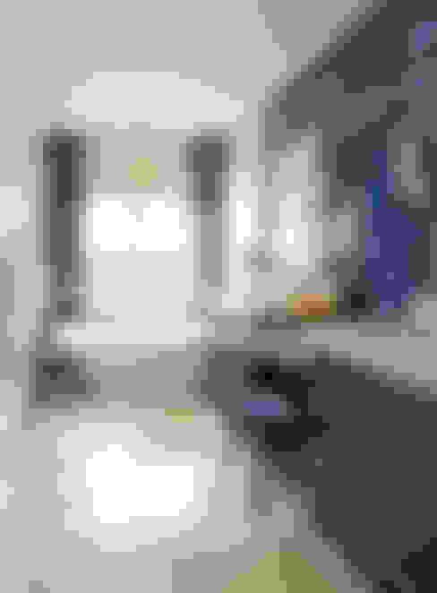 Ванные комнаты в . Автор – Andrea Schumacher Interiors
