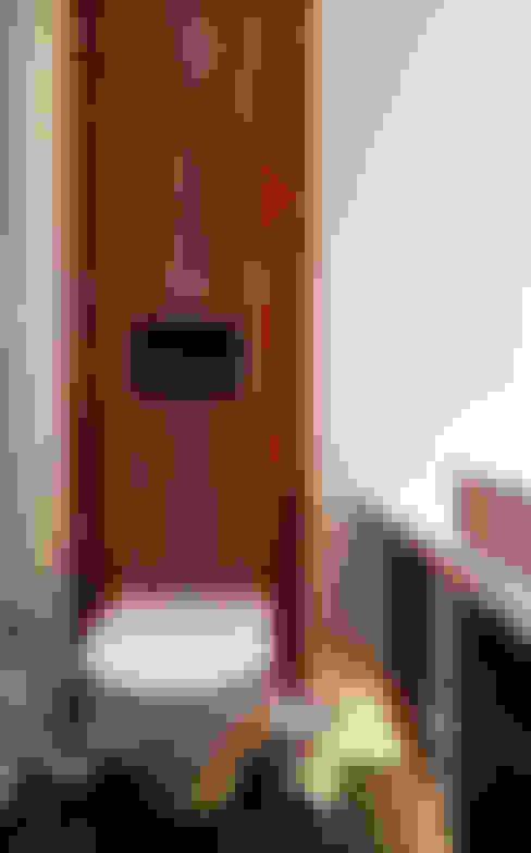 İndeko İç Mimari ve Tasarım – Bebek Çatı Katı:  tarz Banyo
