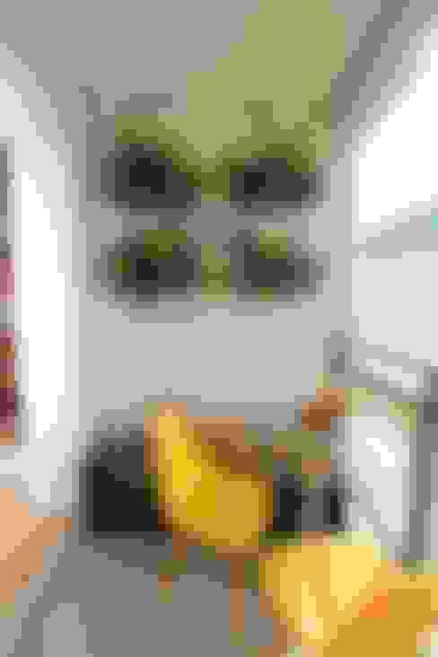 بلكونة أو شرفة تنفيذ Pricila Dalzochio Arquitetura e Interiores
