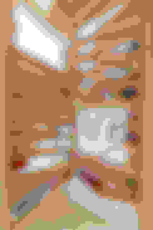 Gang en hal door 水石浩太建築設計室/ MIZUISHI Architect Atelier