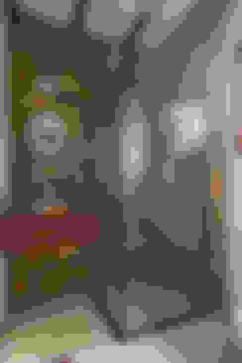 Banheiro suite hospedes.: Banheiros  por Valquiria Leite Arquitetura e Urbanismo