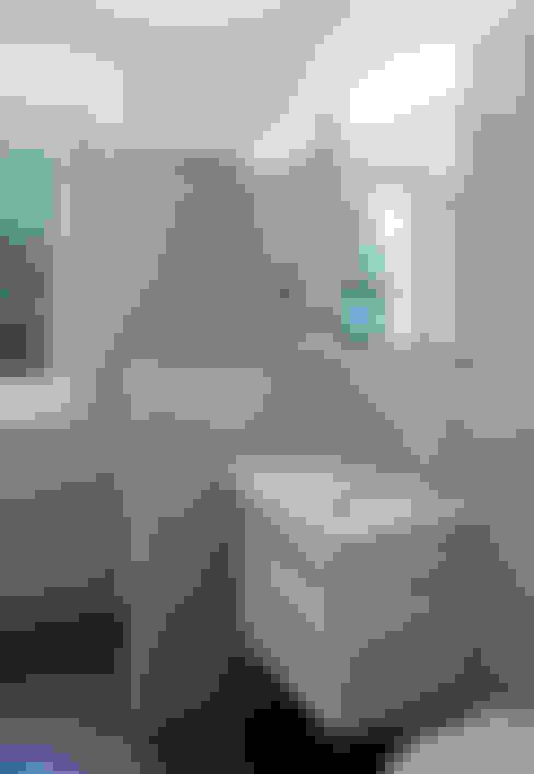 Dusche:  Badezimmer von mmarch gmbh - Mader Marti Architektur ETH SIA