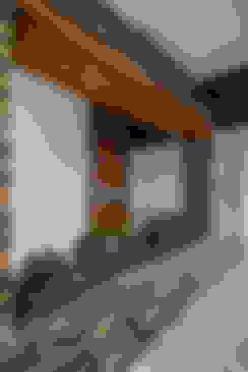 Casa Ax4: Casas de estilo  por ROKA Arquitectos