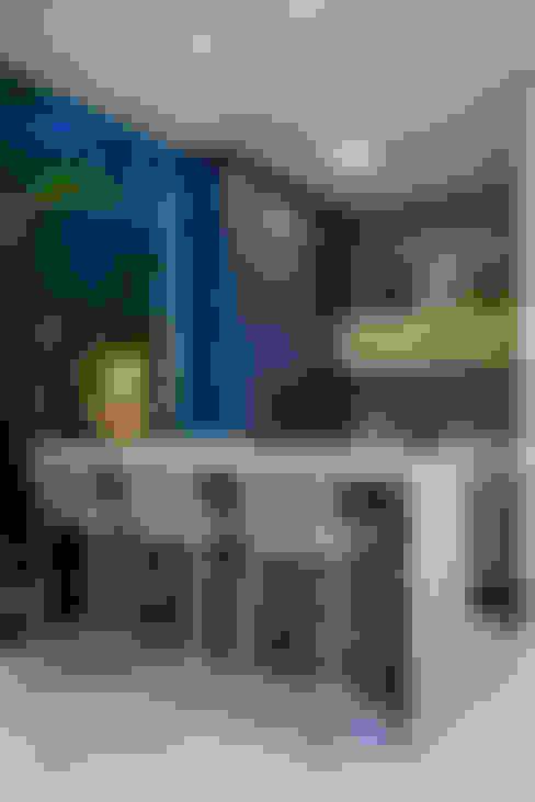 Hiên, sân thượng by Eveline Sampaio Arquiteta e Designer de Interiores