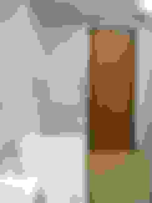浴室 by Architetto Alberto Colella