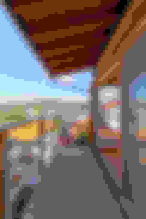 Terrace by エイチ・アンド一級建築士事務所 H& Architects & Associates