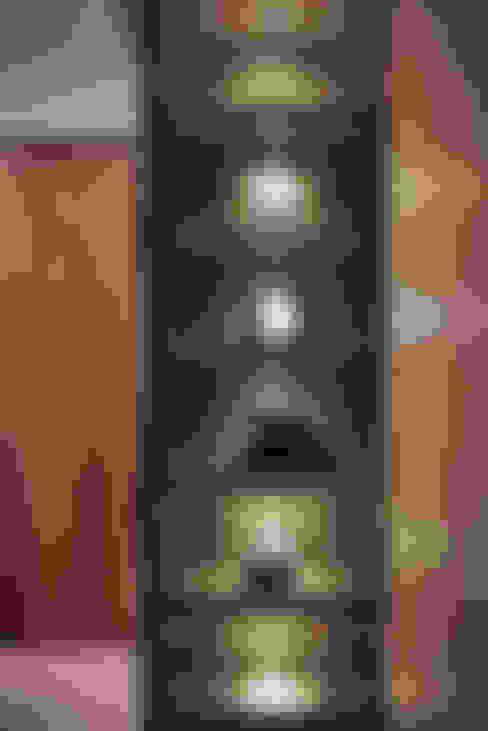 The Metaphor of Residence─冠德鼎極.居所的隱喻:  更衣室 by DYD INTERIOR大漾帝國際室內裝修有限公司